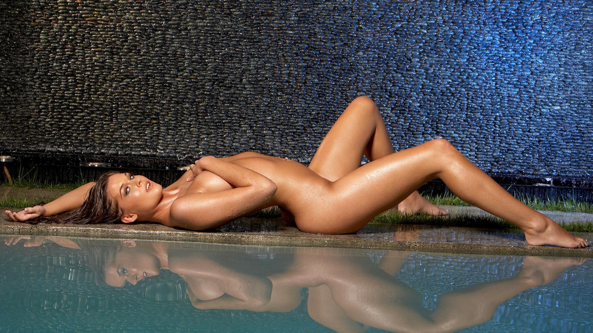 голая девка фото для рабочего стола
