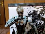 Unboxing Metal Gear Rising limited edition figure