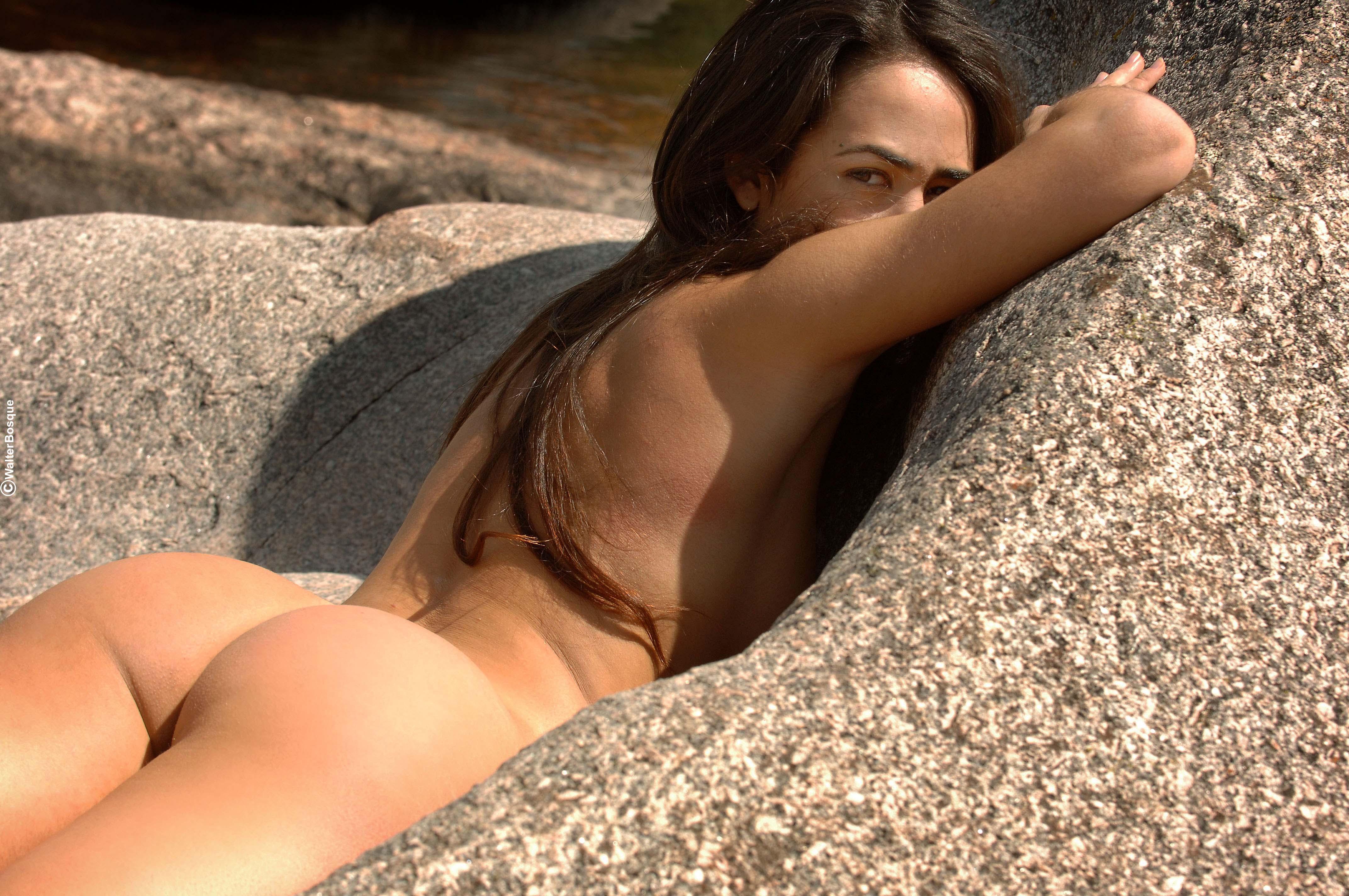 Сексуальная девушка превращается 3 фотография