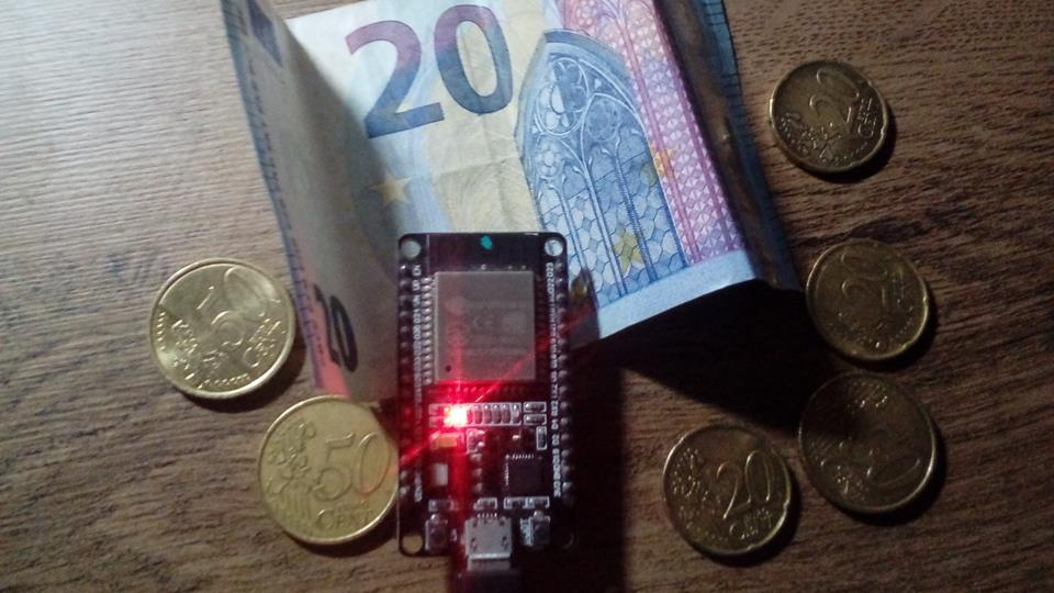 Kurzy (krypto)mien - Arduino / ESP32 / ESP8266
